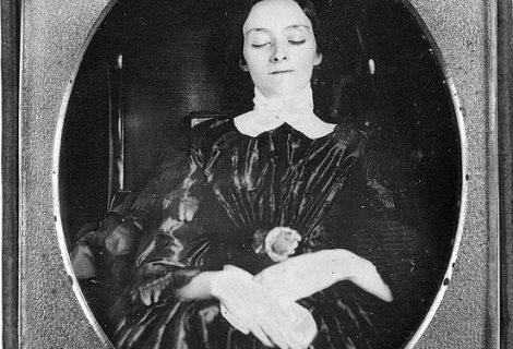 20 fotos assustadoras de pessoas mortas no século 19