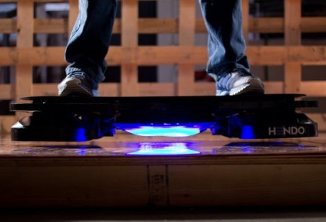 Empresa cria skate voador de De Volta Para o Futuro