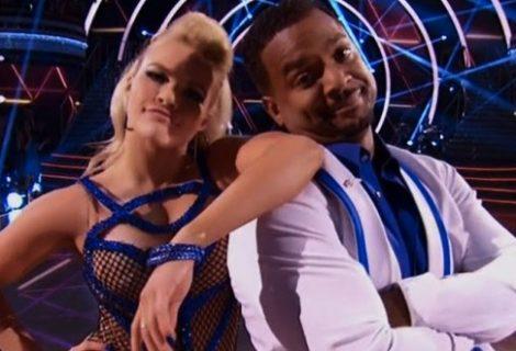 Um Maluco no Pedaço: Alfonso Ribeiro revive a dança de Carlton Banks