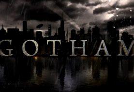 Ator com visual estranho é flagrado na série Gotham