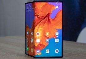 Huawei adia lançamento de seu celular com tela dobrável