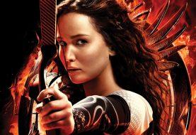 Jennifer Lawrence quase matou homem ao coçar bumbum em filmagem