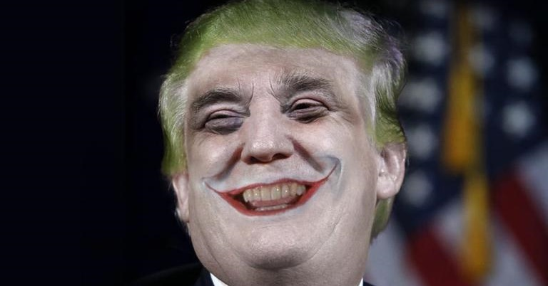 Mark Hamill lê tweets de Donald Trump com a voz do Coringa