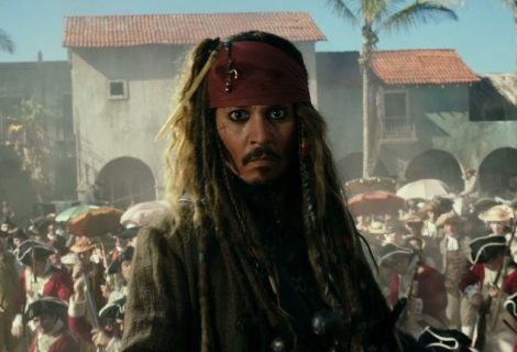 Jack Sparrow jovem é revelado em trailer de novo Piratas do Caribe