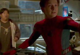 Homem-Aranha: De Volta ao Lar mostra Parker revelando sua identidade