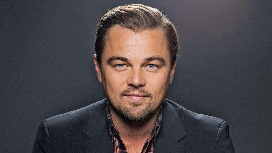 Brad Pitt e DiCaprio divulgam a 1ª foto de novo filme de Tarantino