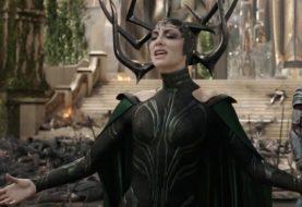 Cate Blanchett fala sobre ser a 1ª vilã dos filmes da Marvel: 'demorou demais'