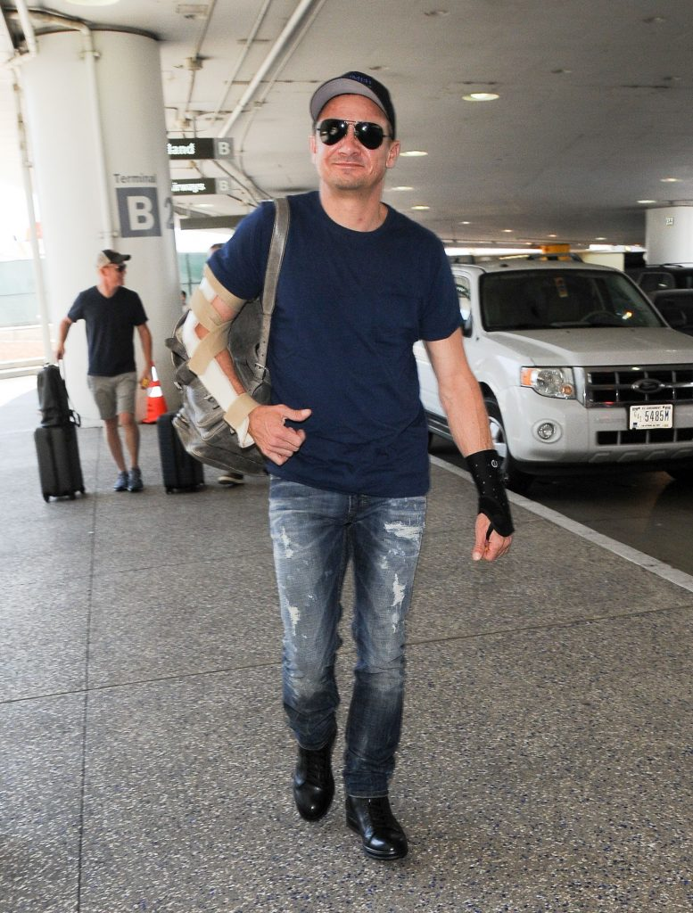 Mandatory Credit: Photo by REX/Shutterstock (8899405b) Jeremy Renner Jeremy Renner at LAX International Airport, Los Angeles, USA - 05 Jul 2017