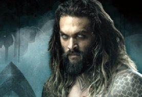 Aquaman surge sem camisa em novo pôster do filme Liga da Justiça