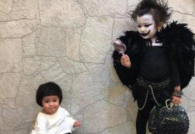 Garotinha de Taiwan bomba no Halloween com fantasia de Death Note