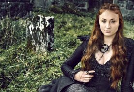 Game of Thrones: Sophie Turner revela o culpado pelo copo de café