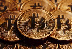 Bitcoin tem novo recorde e chega a ser cotado a quase US$ 10 mil