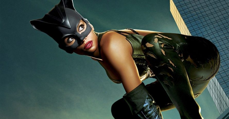 Atriz de Mulher-Gato diz que filme foi motivo do sucesso de Pantera Negra