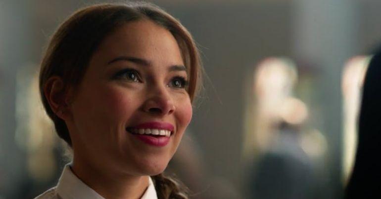Final da 4ª temporada de Flash revela identidade de garota misteriosa