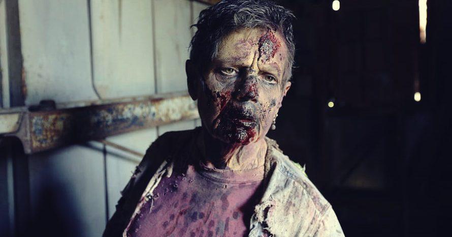 Vovó de 68 anos é um dos zumbis permanentes em The Walking Dead