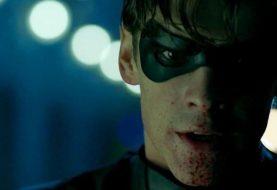 Robin desrespeitou a principal regra do Batman no trailer de Titãs? Entenda