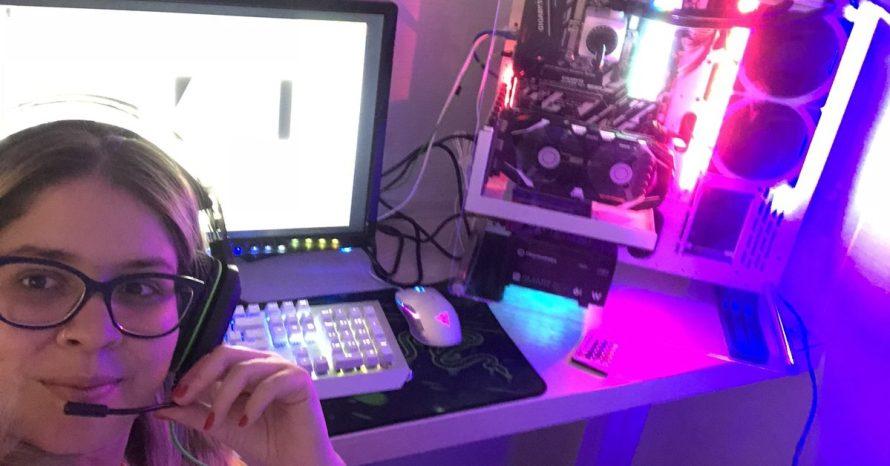 Marília Mendonça compra PC gamer e aparece na web jogando PUBG
