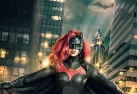 Nova imagem mostra mais detalhes do visual da Batwoman no Arrowverse