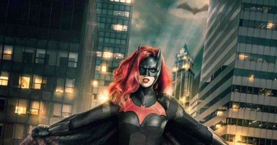 Batwoman: sinopse confirma sexualidade da heroína e série ganha 1º trailer