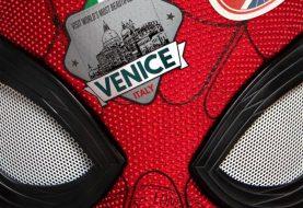Cena de Homem-Aranha 2 traz Peter Parker explicando o traje na mala