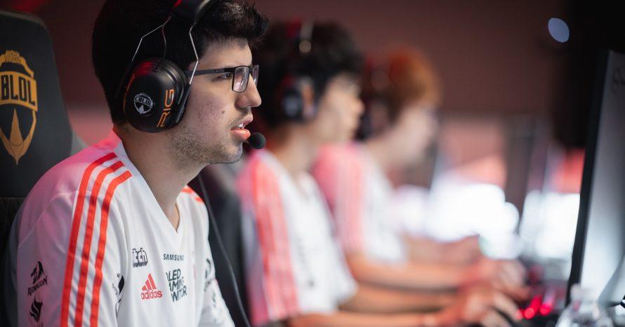 Conselheira do Flamengo rotula time de LoL como 'nerds autistas' e polemiza