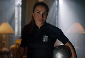Jogadora Marta protagoniza comercial de The Umbrella Academy, da Netflix