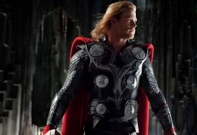 Chris Hemsworth diz que usa roupas de Thor em casa