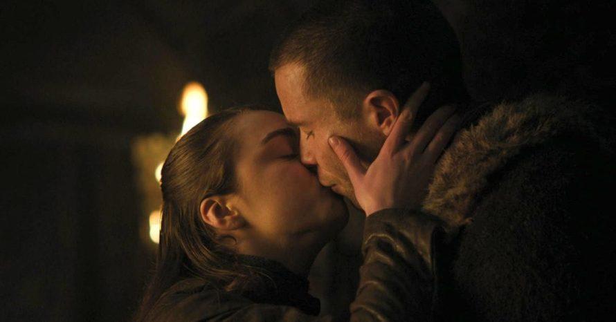 Game Of Thrones Ator De Gendry Fala De Desconforto Em Cena Intima Com Arya