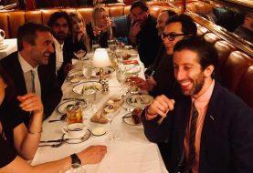 Elenco de The Big Bang Theory se reúne em jantar antes do último episódio