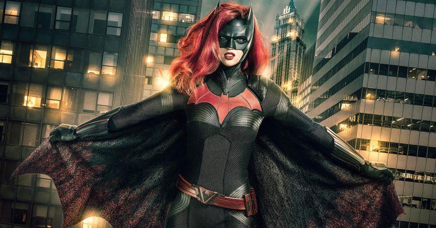 Batwoman: outra personagem assumirá o manto da heroína no 2º ano