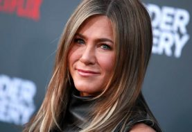 Jennifer Aniston chega ao Instagram com foto que reúne elenco de Friends