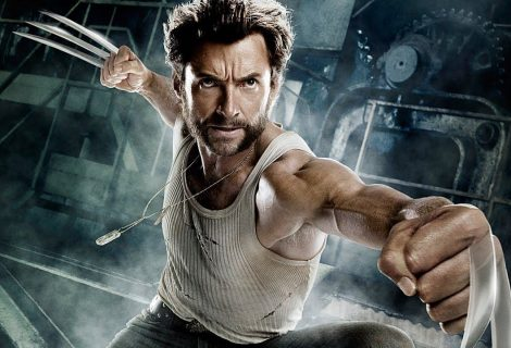 Hugh Jackman é vacinado contra Covid-19 e faz piada com Wolverine