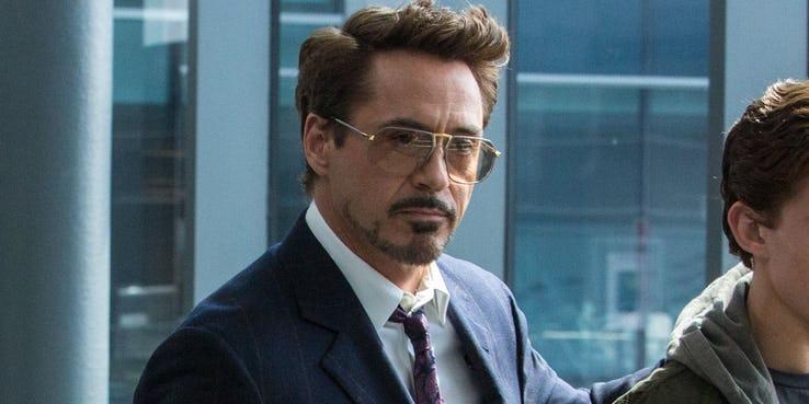 Os perigos dos óculos de Tony Stark em Homem-Aranha: Longe de Casa