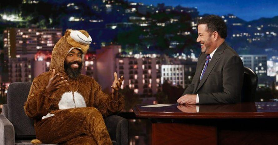 O Rei Leão: Donald Glover dá entrevista vestido como Simba na TV