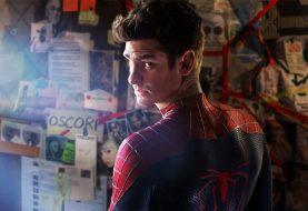 Andrew Garfield tem conta falsa para espionar fãs do Homem-Aranha escondido