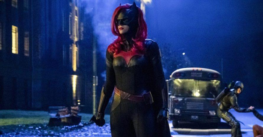 Batwoman: episódio indica existência da Mulher-Maravilha no Arrowverso