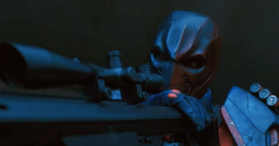 Titãs: ator corta bolo de aniversário com a espada do Exterminador
