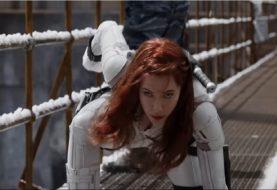 Por que a Viúva Negra usará traje branco em seu filme solo