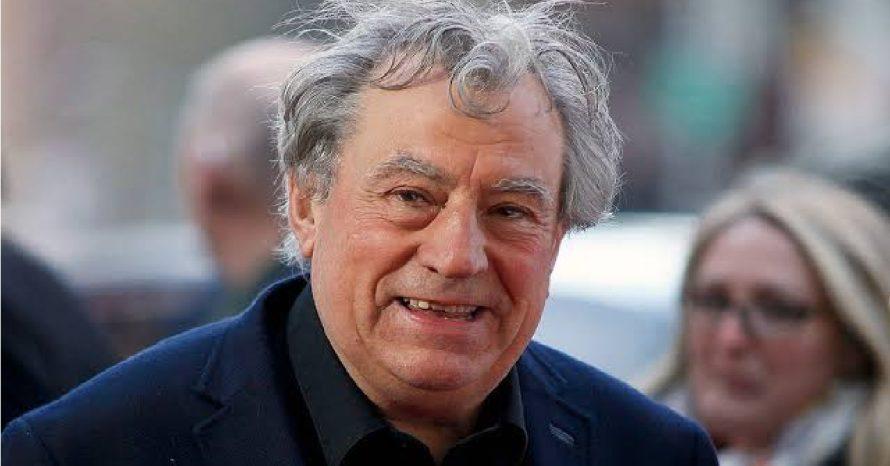 Morre o ator Terry Jones, do grupo Monty Python, aos 77 anos