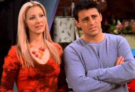 Friends: Phoebe e Joey quase terminaram a série juntos; entenda