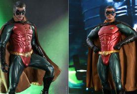 'Volume' do Robin em nova action figure rouba a atenção e vira assunto na web